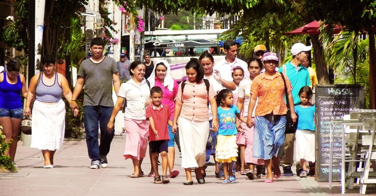 Latino family immigrants moving